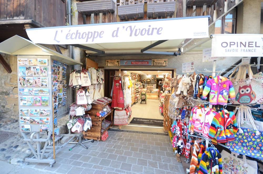 Enseigne du magasin - Agencement Yvoire 74
