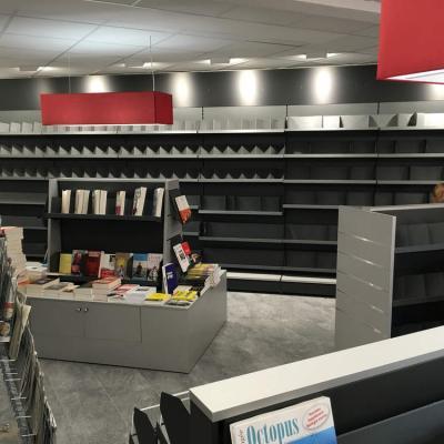 Mobilier et table librairie - Agencement Morzine 74