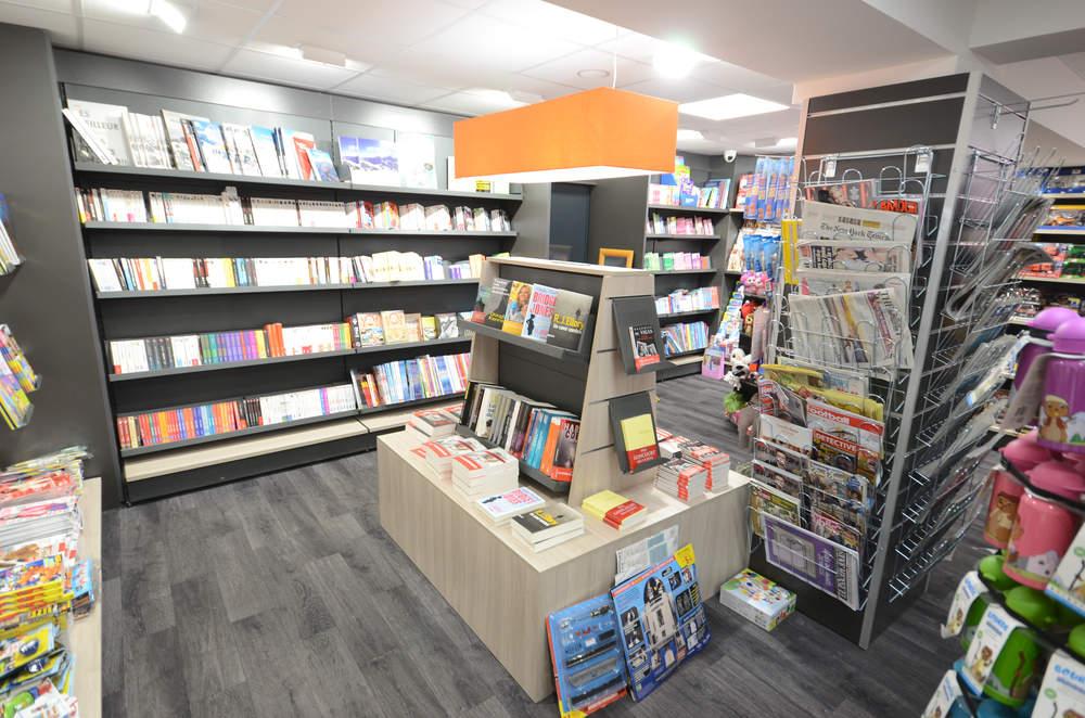 Mobilier et table librairie - Agencement La Plagne 73