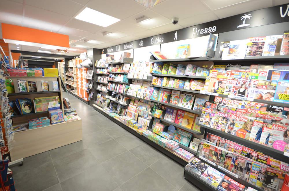 Mobilier librairie et presse - Agencement Saint-Jeoire 74