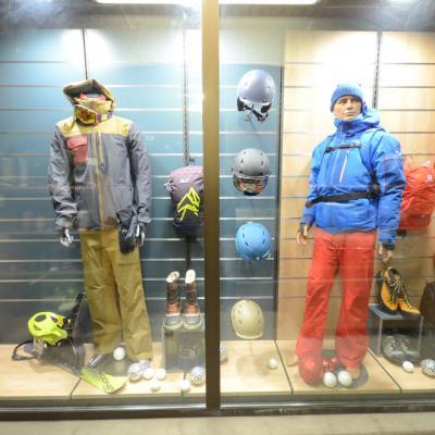 Mobilier exposition vitrine 5 - Agencement Saint-Jean-de-Sixt 74