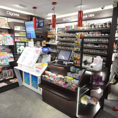 Mobilier tabac et comptoir vue 1 - Agencement Bourg-Saint-Maurice 73