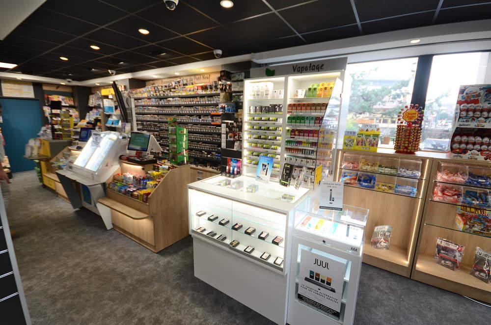 Mobilier tabac et comptoir vue 1 - Agencement Annecy 74