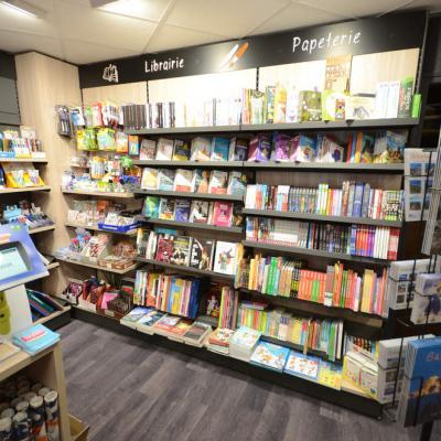 Mobilier librairie et papeterie - Agencement Autrans 38