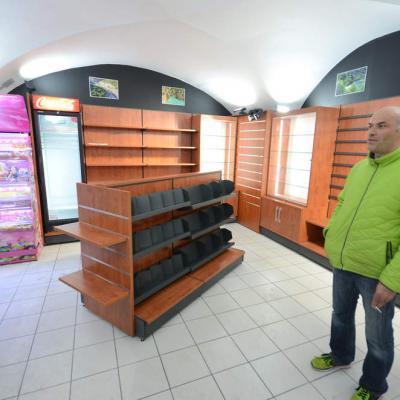 Magasin vouté sur site classé - Agencement Vallon-Pont-d'Arc 07
