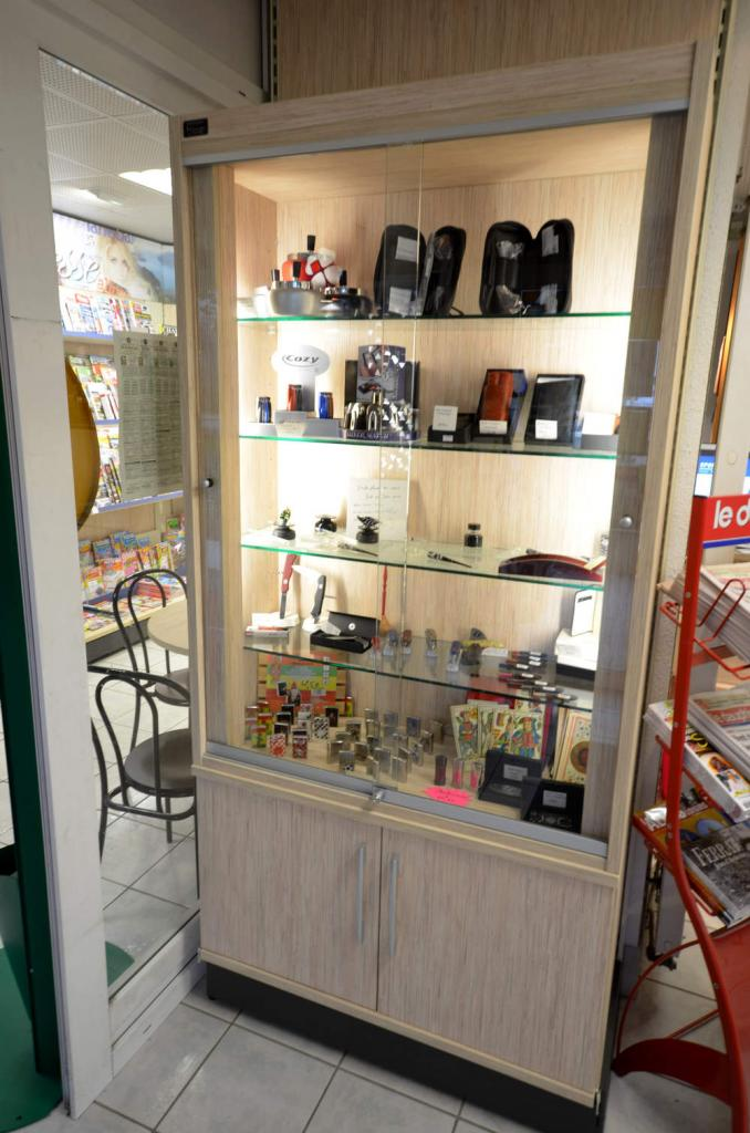 Vitrine lumineuse - Agencement Aix-les-Bains 73