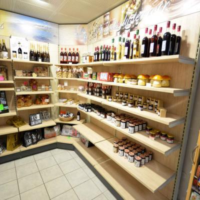 Mobilier exposition alimentation - Agencement Aix-les-Bains 73