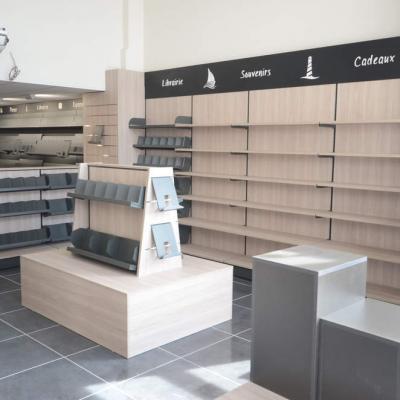 Mobilier cadeaux et librairie - Agencement Ajaccio 20