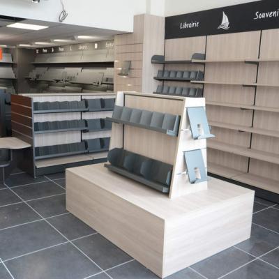 Mobilier et table librairie vue 2 - Agencement Ajaccio 20