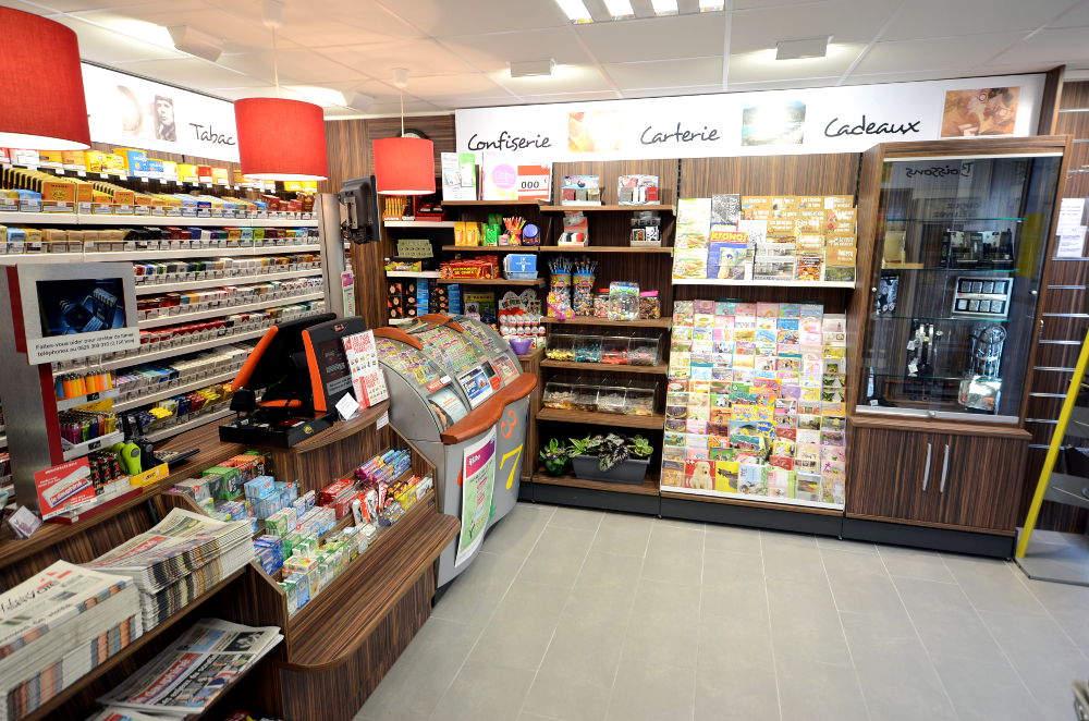Mobilier tabac, cadeaux - Agencement Albens 73