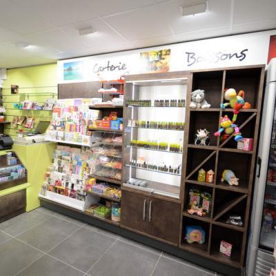 Mobilier carterie, confiserie, cadeaux - Agencement Annecy 74