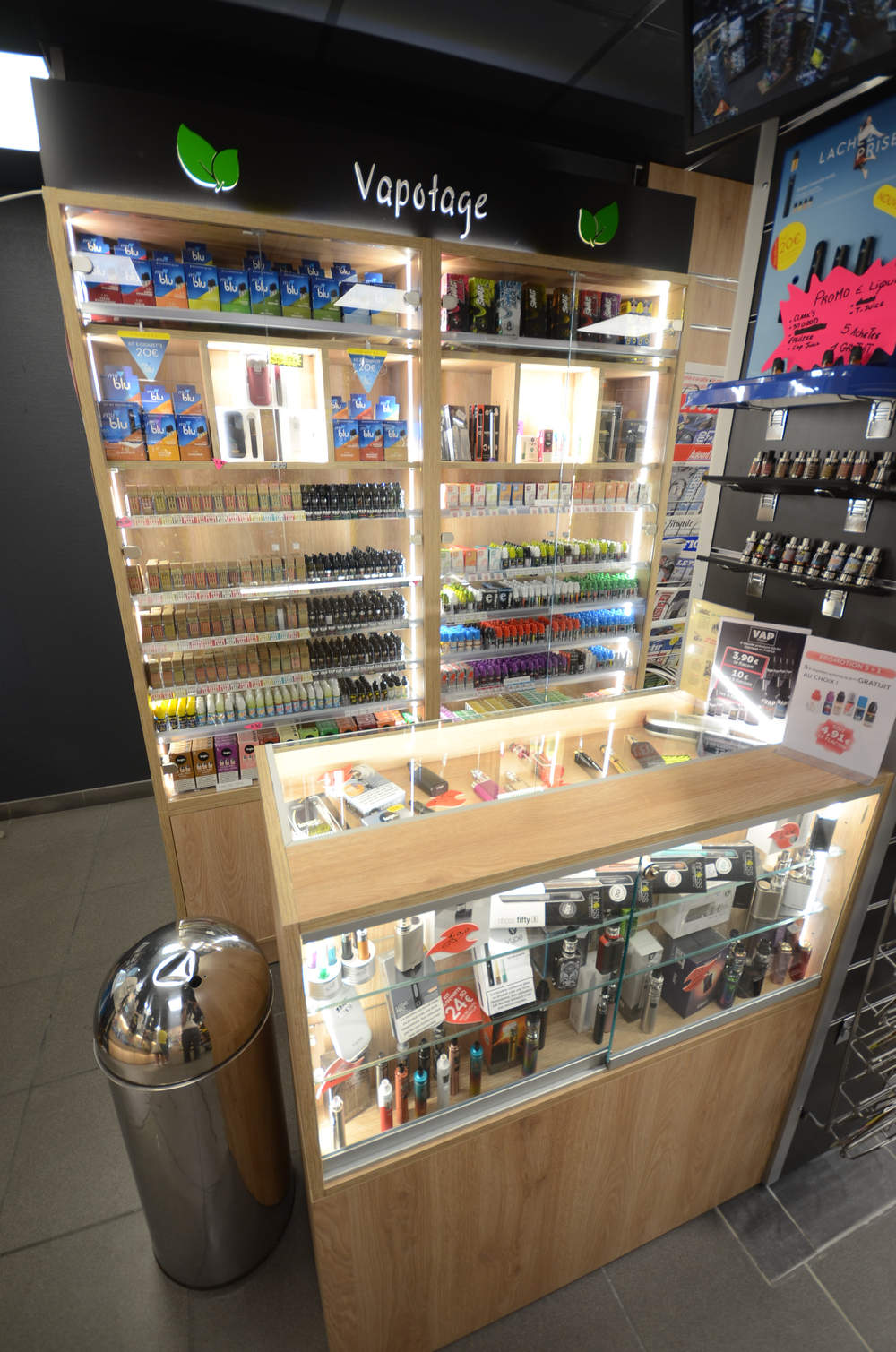 Vitrine lumineuse e-cigarettes - Agencement Annemasse 74