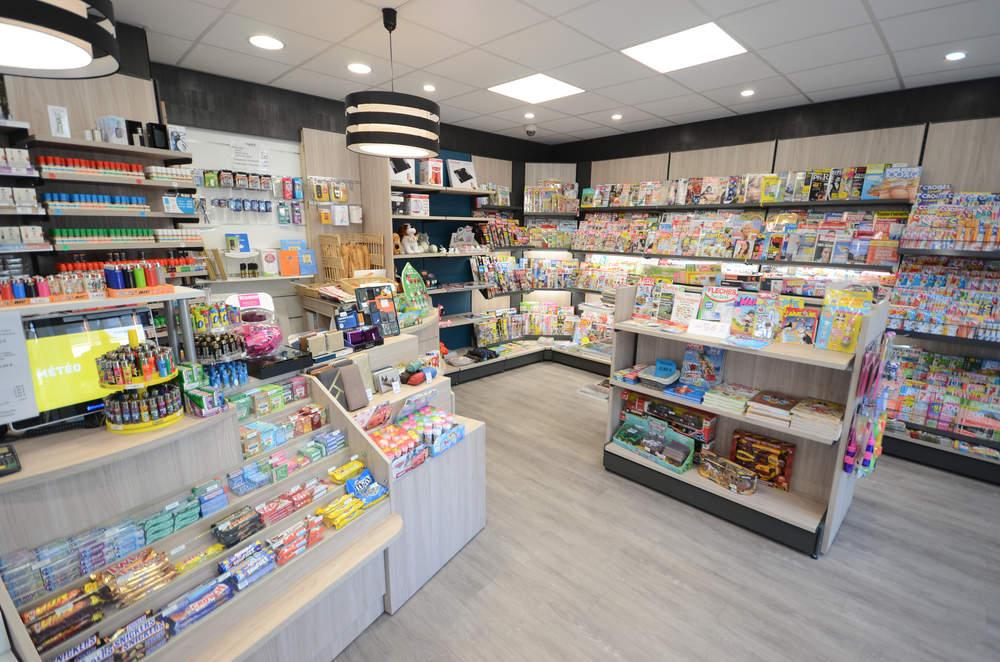 Mobilier presse et ilôt jouets - Vue générale - Agencement Chambéry 73