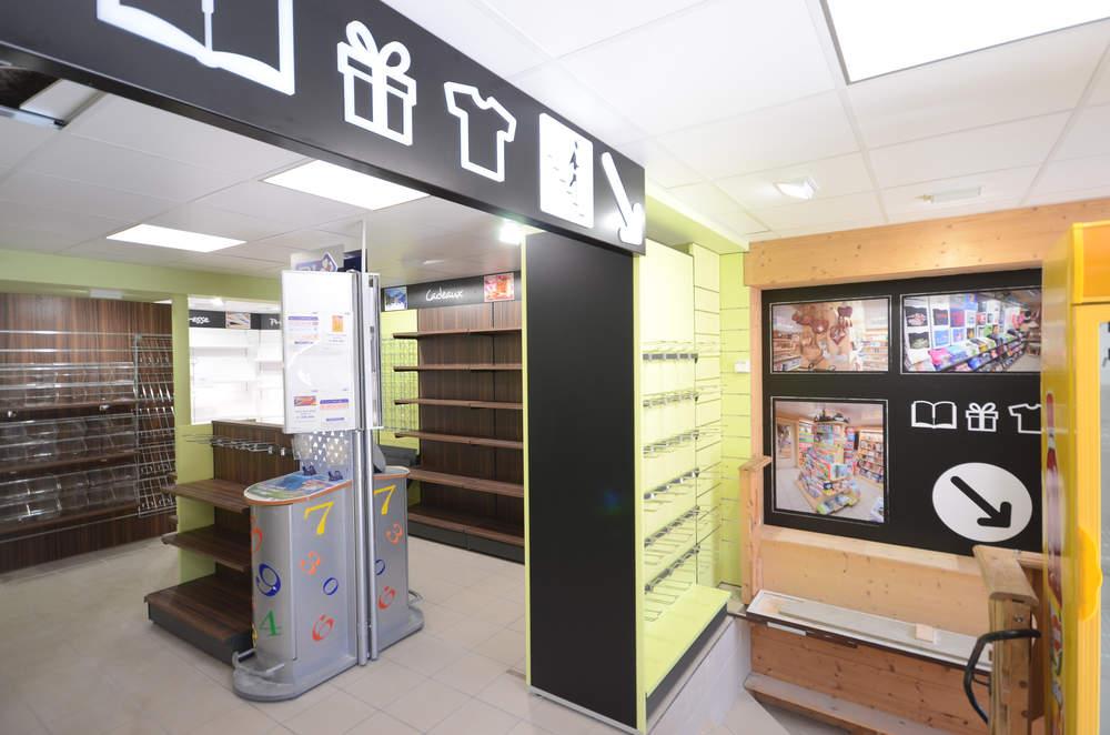 Mobilier cadeaux, loto - Agencement rdc Les Gets 74
