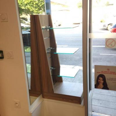 Mobilier sur mesure vitrine - Tabac presse les Eaux Claires Grenoble 38