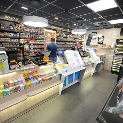 Mobilier tabac et comptoir vue 2 - Agencement La Motte-Servolex 73