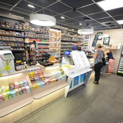 Mobilier tabac et comptoir vue 1 - Agencement La Motte-Servolex 73