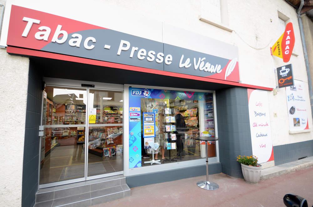 Enseigne vue 1 - Agencement La Batie Montgascon 38