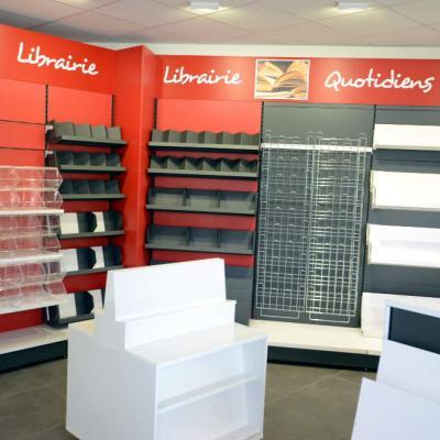 Mobilier confiserie, librairie  vue 1- Agencement Le Teil 07