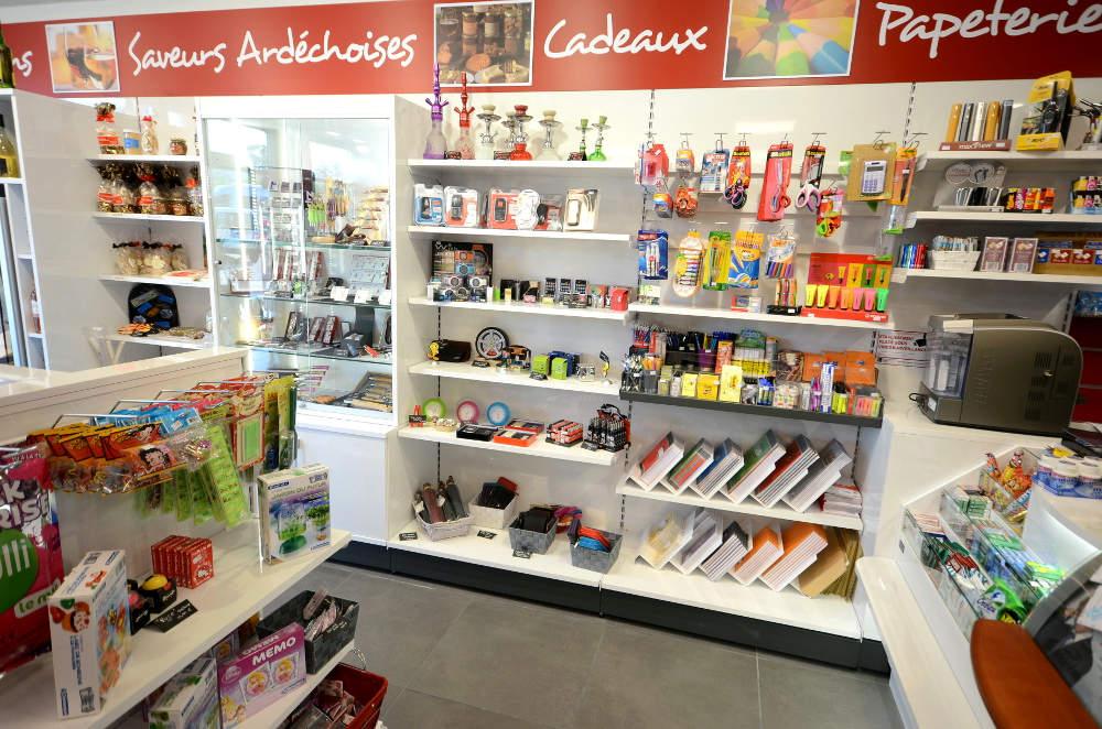 Mobilier cadeaux, papeterie - Agencement Le Teil 07