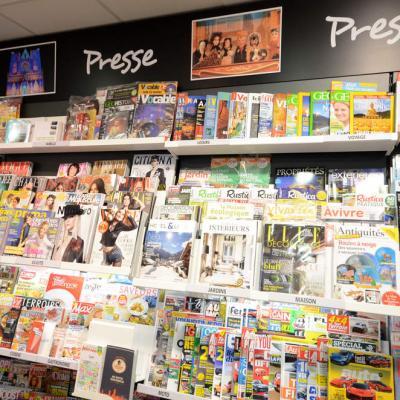 Mobilier presse - Agencement Lyon 69002
