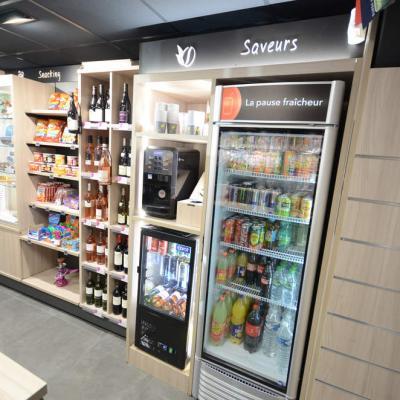 Mobilier snacking et vins / boissons - Agencement Pringy 74