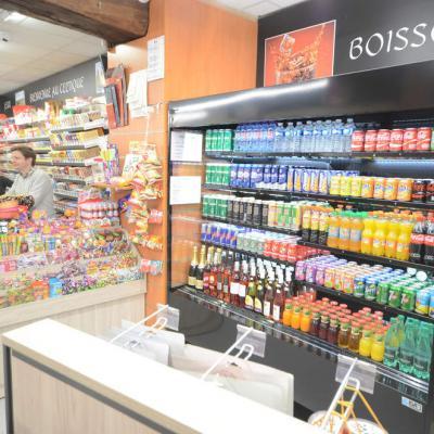 Mobilier confiserie et boissons  - Agencement La Roche-sur-Foron 74