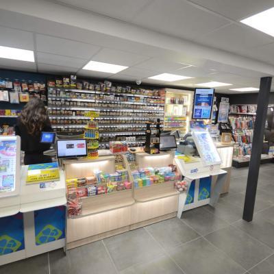 Mobilier tabac et comptoir - Agencement Thonon-les-Bains 74