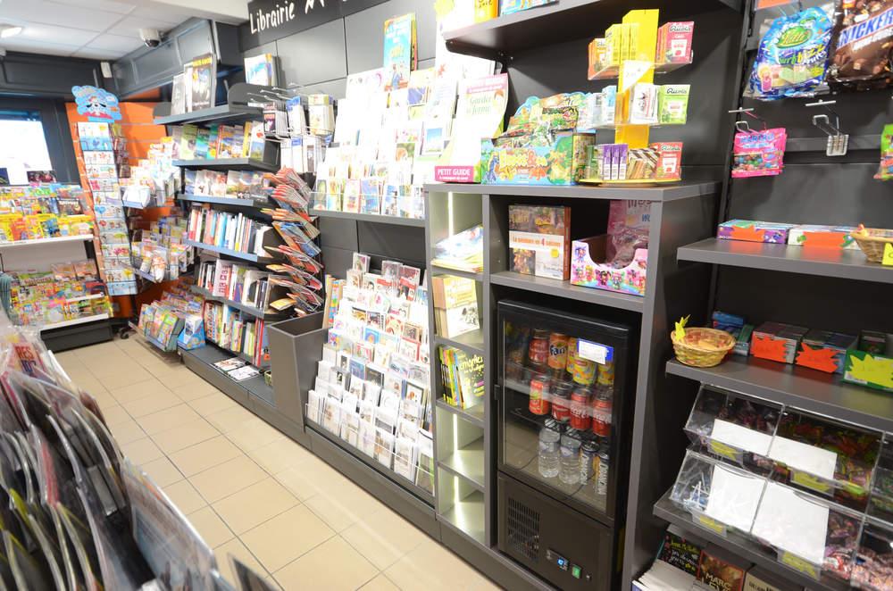 Mobilier librairie, carterie, confiserie vue 1 - Agencement Valleiry 74