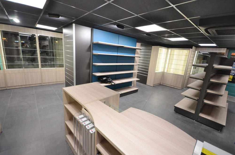 Mobilier déco et vitrines cadeaux - Agencement Annecy 74