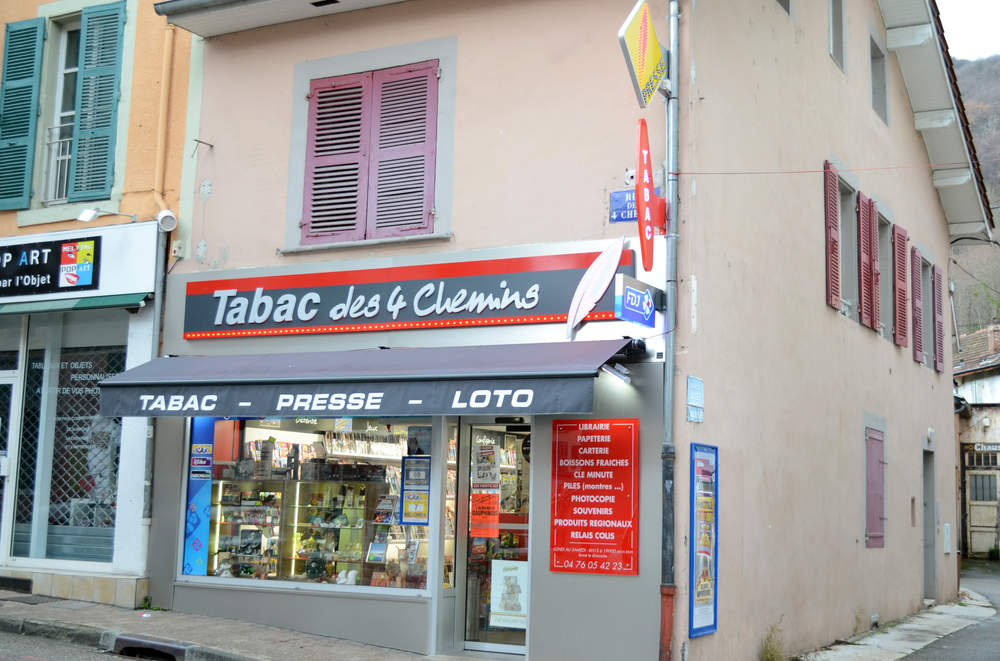 Enseigne tabac presse à Voiron (38)