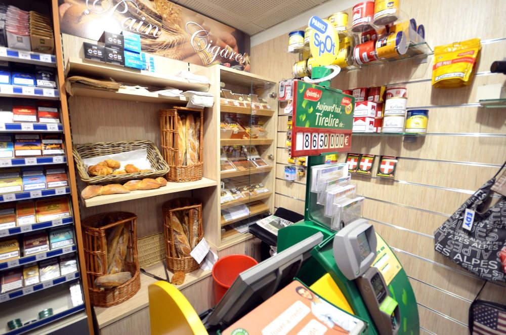Cave à cigares et dépot de pains à Aix les bains (73)